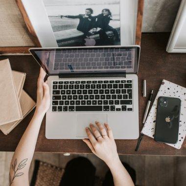 How to Web lansează Remote Con, conferința pentru munca de la distanță