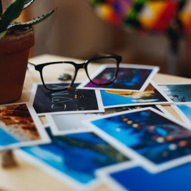 Google nu va mai salva automat fotografiile din Facebook sau WhatsApp