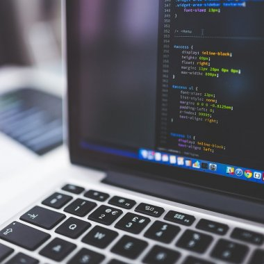 Softelligence digitalizează asigurările: parteneriat cu britanicii de la INSTANDA