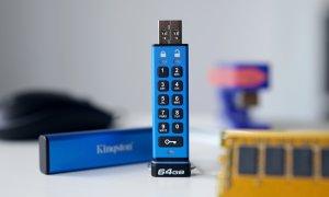 Stick-ul USB pe care l-ar folosi și James Bond