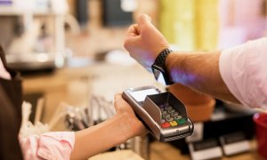 Apple Pay la Alpha Bank pentru clienții care au carduri Visa
