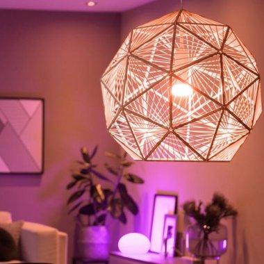Philips Hue, noi becuri smart și corpuri de iluminat pentru living și bucătărie