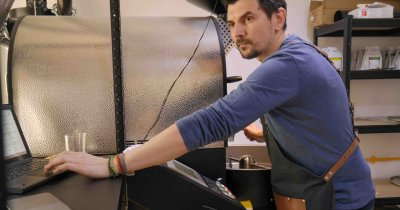 Românul vicecampion mondial la prăjit cafea își lansează un magazin de profil