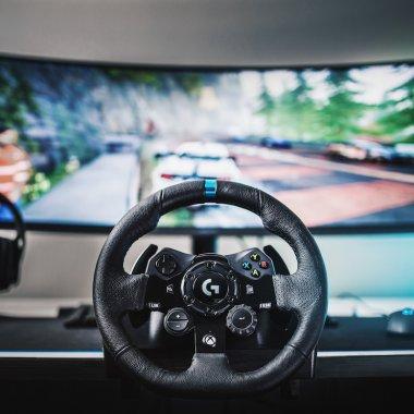 Logitech G923, volan pentru console și PC: compatibil cu PS4, PS5, Xbox One, PC