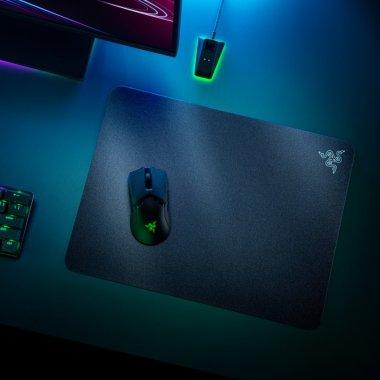 """Razer Acari e un """"covoraș"""" de mouse pentru cei care vor viteză maximă de reacție"""