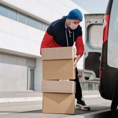 Penny lansează propriul site de livrare de cumpărături acasă - Lyvra
