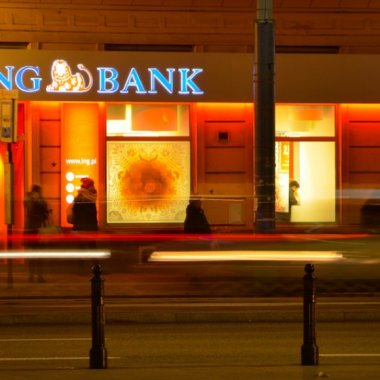 ING adaugă retragerile fără card la bancomatele din România