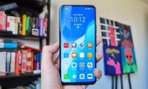 Review Huawei P40 Lite 5G: Cel mai accesibil telefon 5G are multe de oferit
