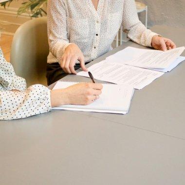 Noutăți la ANAF: plata în numele altei persoane decât titularul contului