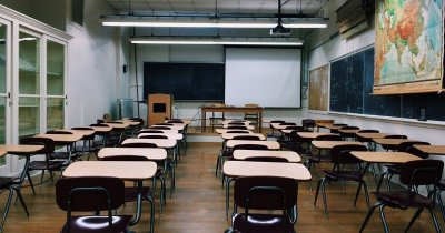 COVID-19 | Angajații români își doresc ca ai lor copii să se întoarcă în clase