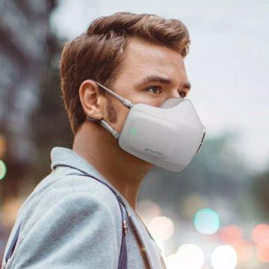 Această mască electronică de la LG e un purificator de aer purtabil