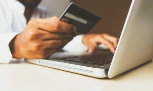 Digitalizare la stat: plătești taxa de pașaport, pentru permis prin Ghiseul.ro