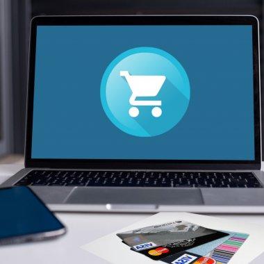 Credite pentru stocuri și angajări pentru antreprenorii din eMAG Marketplace