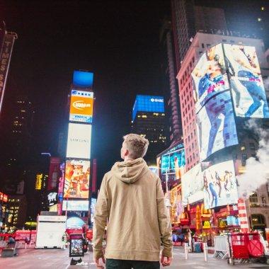 Soluție bazată pe AI pentru îmbunătățirea performanței reclamelor video