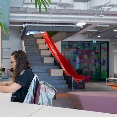 Coworking București: Impact Hub, pachete flexible pentru startups & IMM-uri