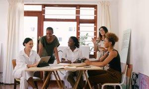 Acceleratorul de întreprinderi sociale F-LANE lansează programul cu 10 echipe