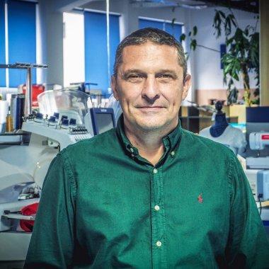 Hobby și business: Românii au cumpărat mai multe mașini de cusut în pandemie