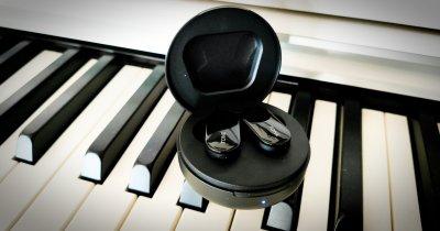 REVIEW Căști wireless LG Tone HBS-FL7: sunet bun, curățare UV, fără izolare
