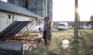 Ferma de păsări pășunate: viitorul creșterii puilor pe câmp imaginat în România