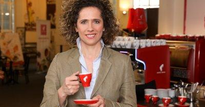 Trenduri de pandemie: românii comandă din ce în ce mai multă cafea acasă