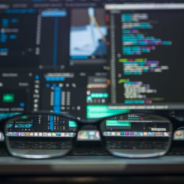 TechTalent Growth: cursuri gratuite pentru IT-iștii din IMM-uri