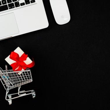 Estimări ARMO: Black Friday 2020 aduce magazinele online pe plus