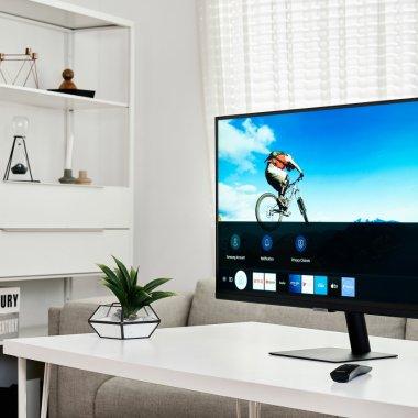 """Samsung lansează monitorul """"cu de toate"""" pentru Work From Home și școală"""