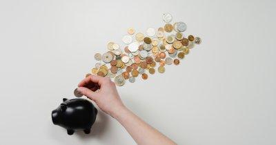 32% dintre români prefera să țină economiile într-un plic în șifonier