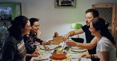 Cumpărături de Sărbători: 60% din români vor cheltui mai puțini bani