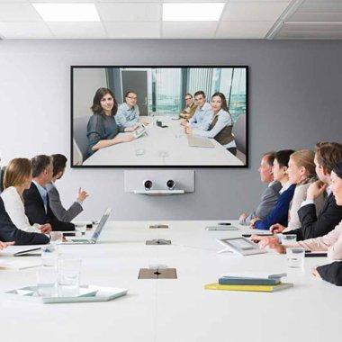 Cum a implementat telemunca în 10 zile o companie cu 140.000 de angajați?