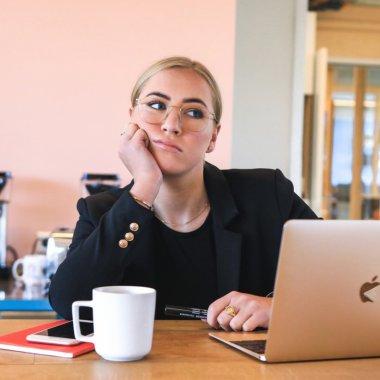 PwC România: munca de acasă, cel puțin la fel de productivă ca și la birou