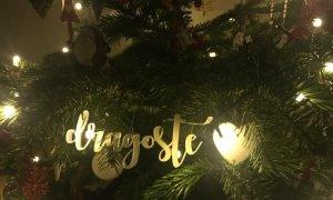 Vorbe-n Pom: mica afacere care aduce bucurie prin cuvinte în bradul de Crăciun