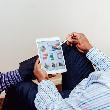 Platforma digitală pentru a organiza AGA în companii. eVote, folosit de Bittnet