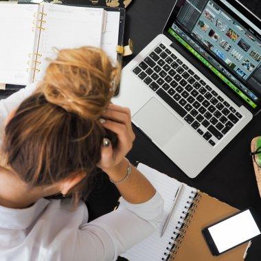 70% dintre angajații români sunt mai stresați acum decât înainte de pandemie