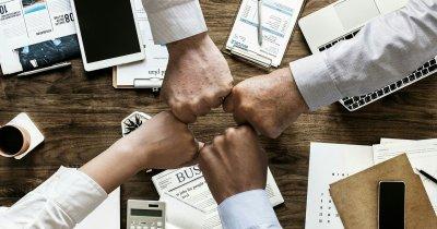 Parteneriat între KPMG și UiPath în România pentru dezvoltarea de soluții smart