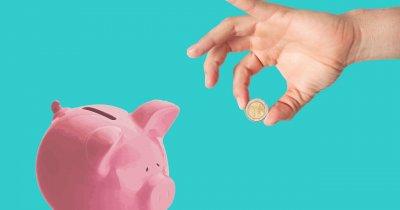 Câți români mai economisesc bani după un an de pandemie?