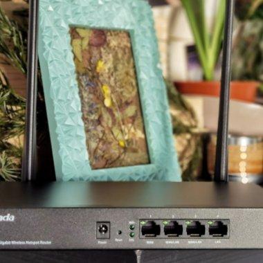 Review Tenda W18E: Router serios pentru IMM-uri care pun accent pe fiabilitate