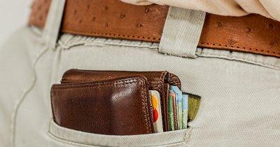 Mai mult de jumătate din români spun că vor folosi mai puțin cash în 2021