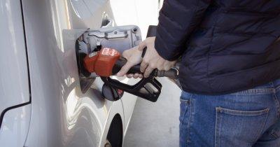 Românii care te ajută să faci plinul fără să mai intri în benzinărie să plătești