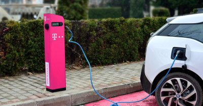 Telekom montează stații de încărcare pentru mașini electrice în mai multe orașe