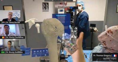 Ochelarii de realitate mixtă HoloLens 2 (Microsoft), utilizați în sala de operații