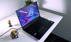 Asus ROG Strix Scar 17 G733 REVIEW - gamingul pe laptop devine bun?
