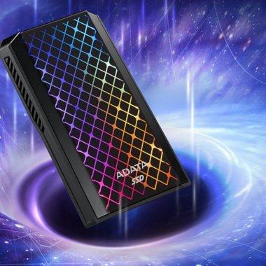 ADATA anunță modelul de SSD SE900G cu luminițe colorate pe exterior