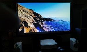 Proiectoare Epson: Gadgeturile care îți transformă livingul în cinematograf