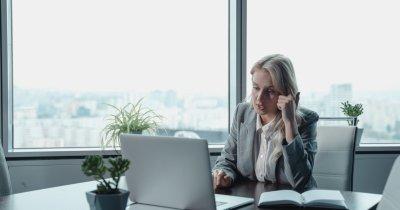 COVID-19 a crescut inegalitățile între femei și bărbați pe piața muncii