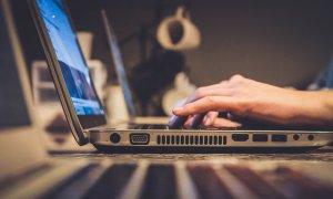 Studiu Regista: pandemia a contribuit la digitalizarea instituțiilor publice