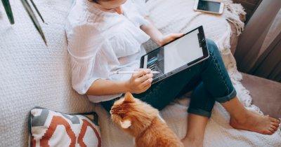 """Între """"biroul de acasă"""" și """"viața socială"""" – provocările telemuncii în 2021-2022"""