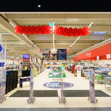 Magazinele fără oameni la casă: Carrefour deschide primul magazin 100% digital
