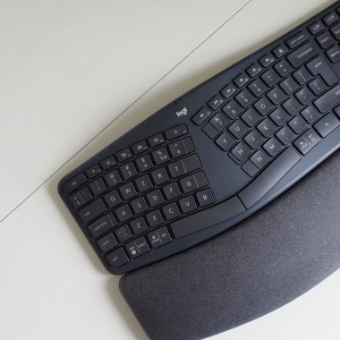 REVIEW Logitech ERGO K860 Ergonomic Split - ai nevoie de o tastatură ergonomică?
