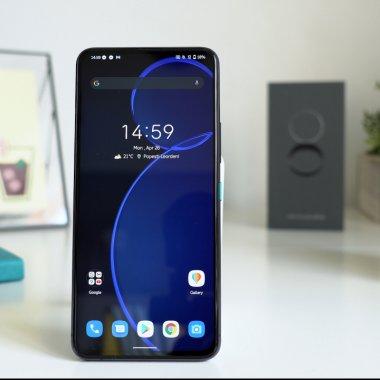 Review ASUS Zenfone 8 Flip - un concept care ar trebui să fie mai popular